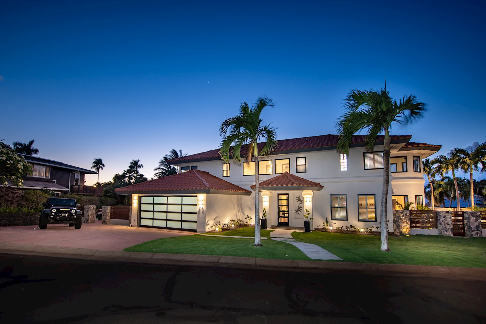 Magnificently Upgraded Kaanapali Hillside home! Walk To World Class Beaches with views of Molokai Island!