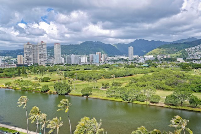 Pet-Friendly Unit on the Ala Wai Canal