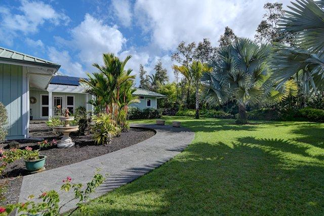 Private, Gated Estate Conveniently Close to Hilo