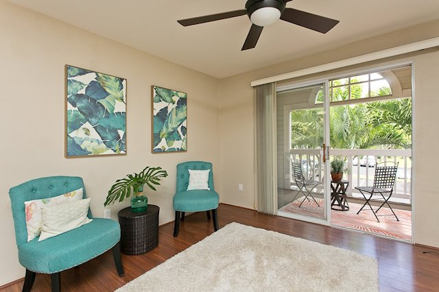 Remodeled Waikele Townhome With Great Location and Breezes