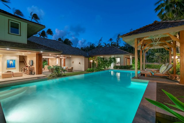 Gorgeous Luxury Home on Renowned Kahala Avenue