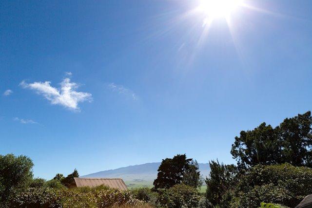 Mauna Kea-View Home With a Sizable Yard