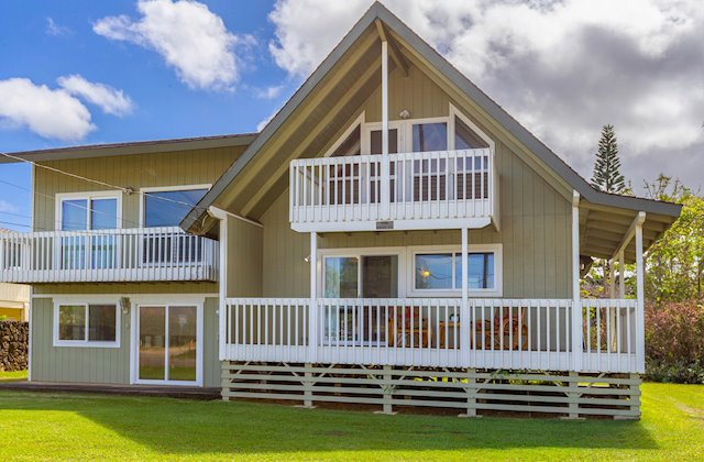 Four-Bedroom Home, Steps from Hanalei Beach