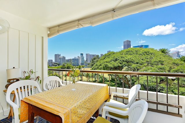Two-Bedroom Honolulu Condo at an Excellent Value