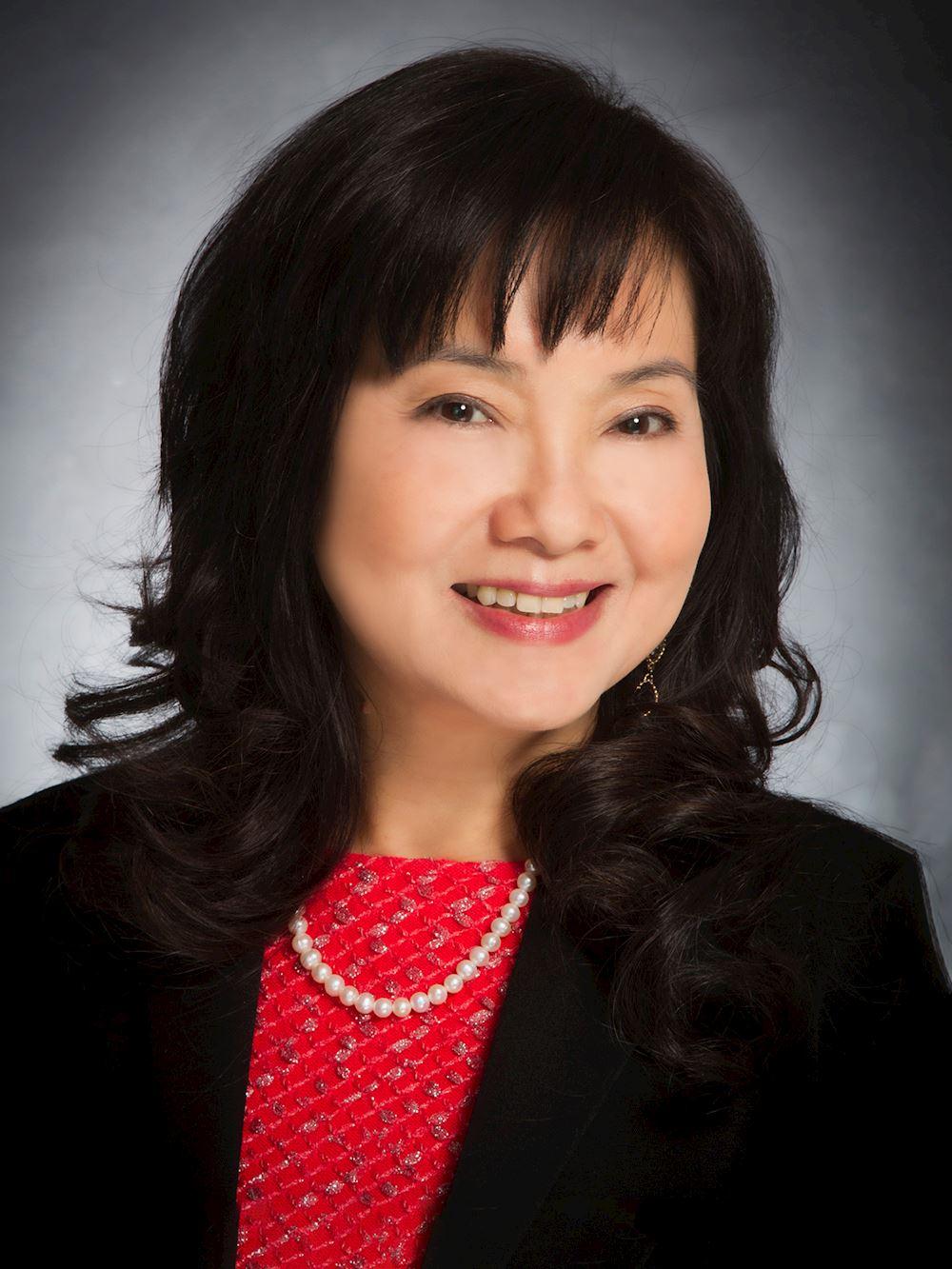 Binh Nguyen, REALTOR-Associate