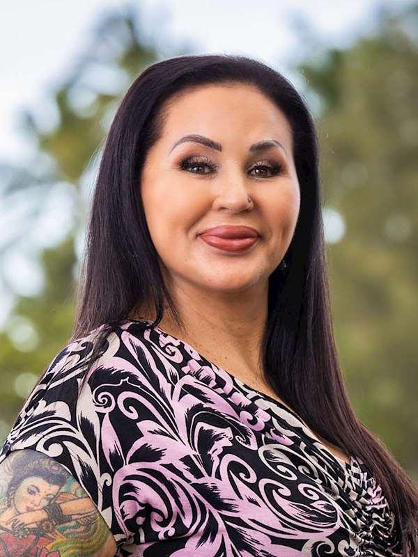 Stephanie Branco, R(S)